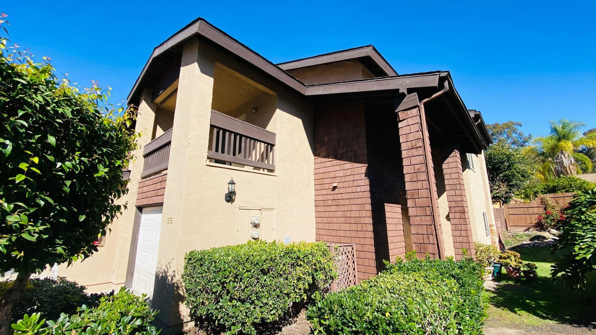 Main Photo: Townhouse for sale : 3 bedrooms : 9761 Caminito Doha in San Diego