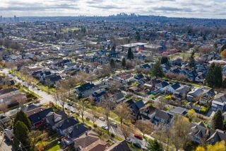 "Photo 10: 2142 NAPIER Street in Vancouver: Grandview Woodland House for sale in ""Grandview Woodland"" (Vancouver East)  : MLS®# R2450268"