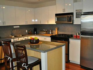 "Photo 2: 902 155 W 1ST Street in North Vancouver: Lower Lonsdale Condo for sale in ""Time"" : MLS®# V1035039"