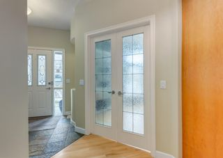 Photo 5: 2015 6 Avenue NW in Calgary: West Hillhurst Semi Detached for sale : MLS®# A1105815