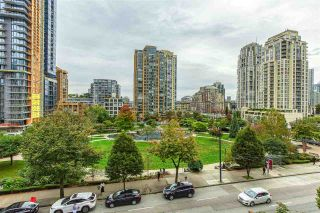"Photo 7: 808 1155 SEYMOUR Street in Vancouver: Downtown VW Condo for sale in ""BRAVA!!!"" (Vancouver West)  : MLS®# R2508756"