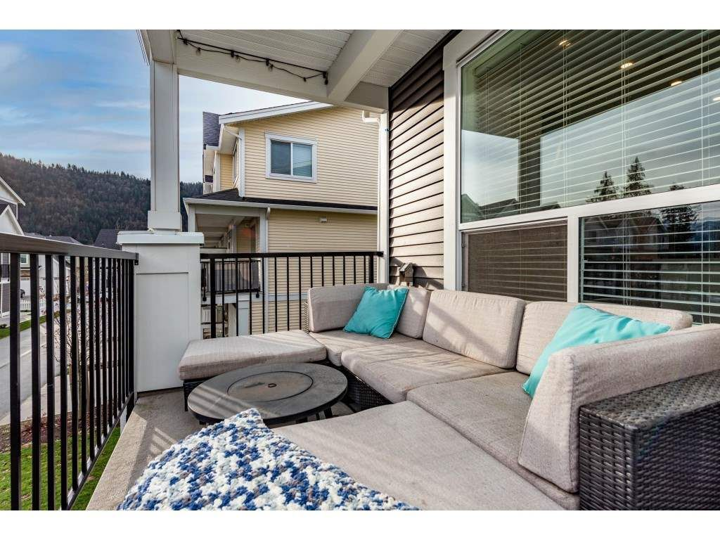 """Photo 32: Photos: 5488 DRIFTWOOD Street in Chilliwack: Vedder S Watson-Promontory Condo for sale in """"WEBSTER CROSSING"""" (Sardis)  : MLS®# R2527096"""