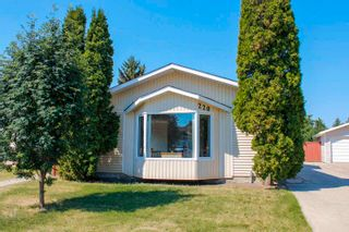 Photo 1: 220 HOMESTEAD Crescent in Edmonton: Zone 35 House for sale : MLS®# E4252303