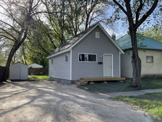 Photo 1: 131 9th Street NW in Portage la Prairie: House for sale : MLS®# 202104063