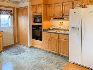 Photo 11: 2 Pinecrest Boulevard in Bridgewater: 405-Lunenburg County Residential for sale (South Shore)  : MLS®# 202109793