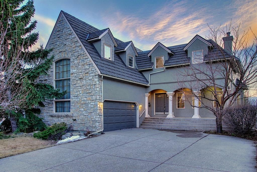 Main Photo: 325 Signal Hill Point SW in Calgary: Signal Hill Detached for sale : MLS®# A1093090