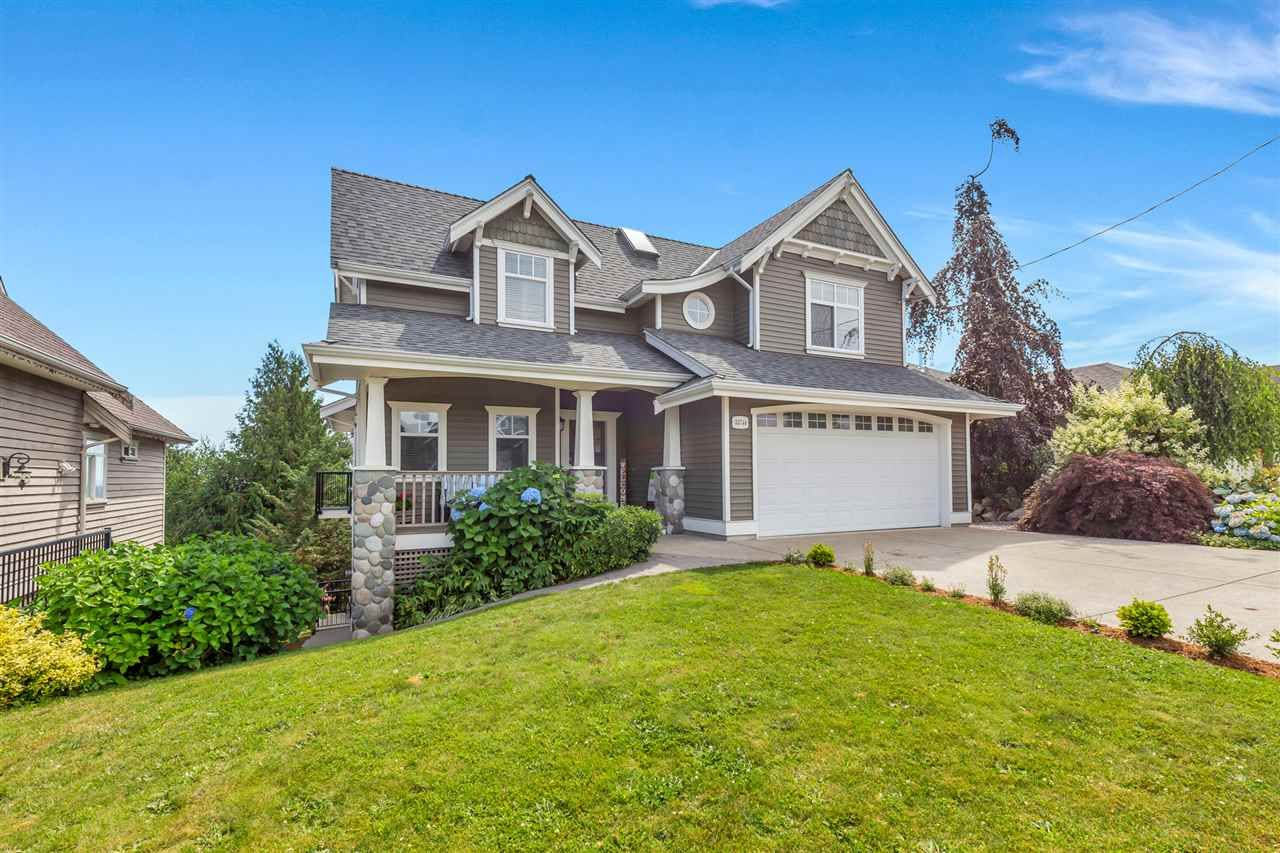Main Photo: 33744 CHERRY Avenue in Mission: Mission BC House for sale : MLS®# R2480576