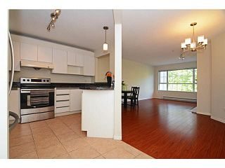 Photo 5: 305 2990 PRINCESS CRESCENT in Coquitlam: Canyon Springs Condo for sale : MLS®# V1142606
