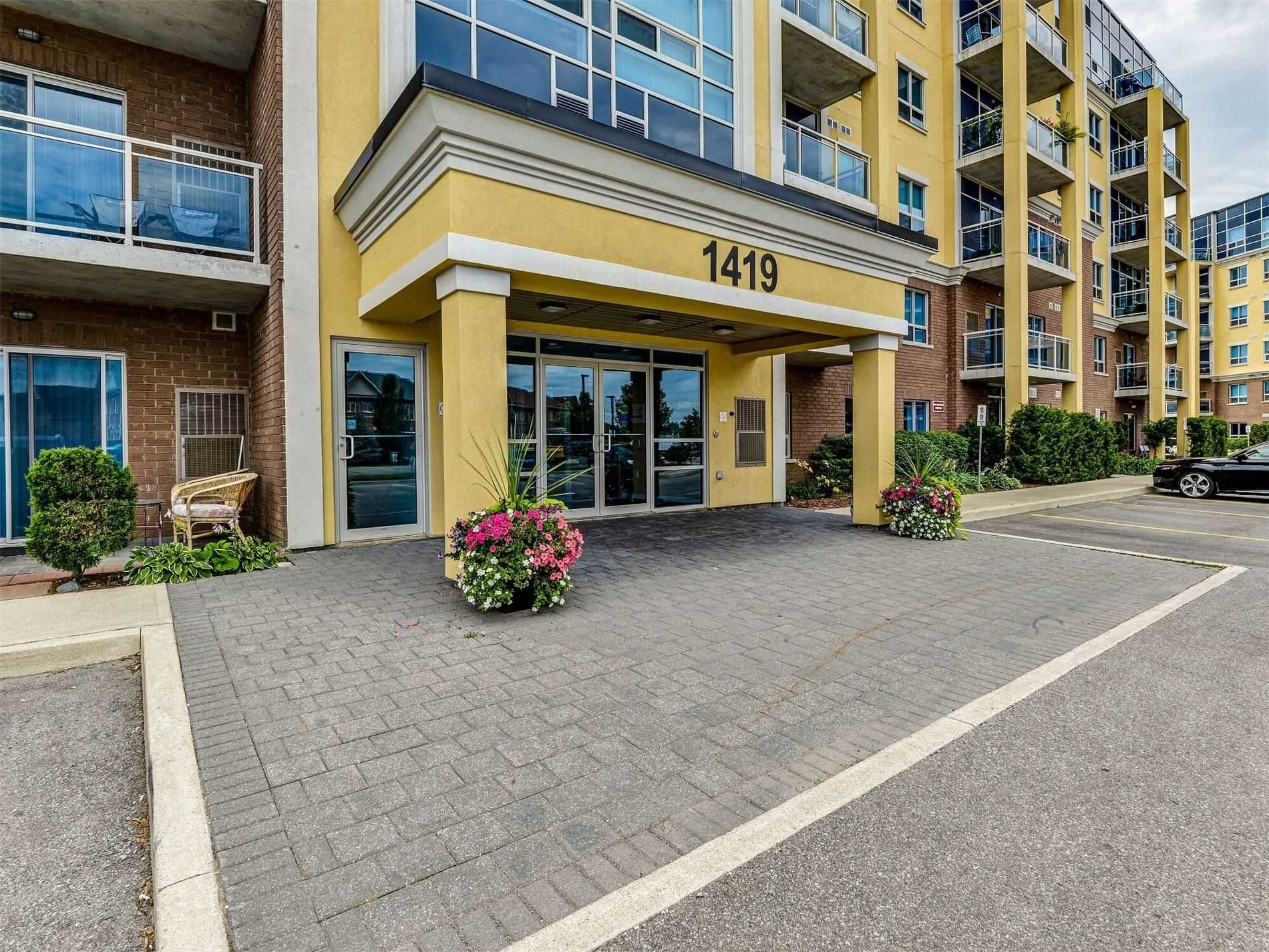 Main Photo: 601 1419 Costigan Road in Milton: Clarke Condo for sale : MLS®# W5152191