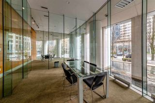 """Photo 4: 403 1288 ALBERNI Street in Vancouver: West End VW Condo for sale in """"THE PALISADES"""" (Vancouver West)  : MLS®# R2529157"""