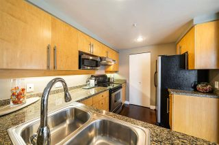 Photo 4: 901 1228 MARINASIDE Crescent in Vancouver: Yaletown Condo for sale (Vancouver West)  : MLS®# R2562099