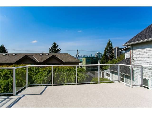 Photo 4: Photos: 1 241 E 4TH Street in North Vancouver: Lower Lonsdale Townhouse for sale : MLS®# V1062566