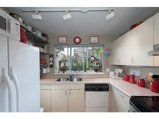 """Photo 12: 304 1465 COMOX Street in Vancouver: West End VW Condo for sale in """"Brighton Court"""" (Vancouver West)  : MLS®# V1122493"""