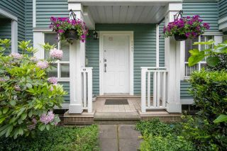 """Photo 3: 2887 SOTAO Avenue in Vancouver: South Marine Townhouse for sale in """"FRASERVIEW TERRACE"""" (Vancouver East)  : MLS®# R2587446"""