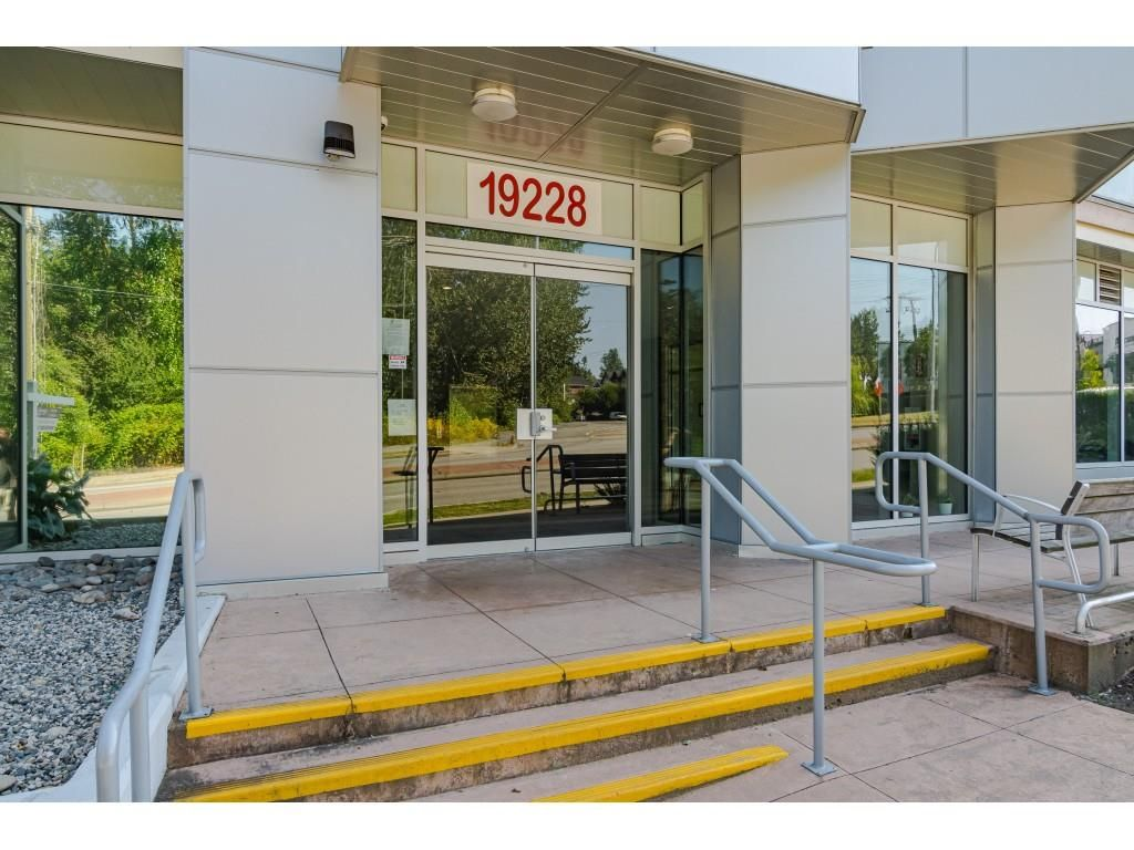 """Photo 28: Photos: 315 19228 64 Avenue in Surrey: Clayton Condo for sale in """"FOCAL POINT"""" (Cloverdale)  : MLS®# R2481765"""