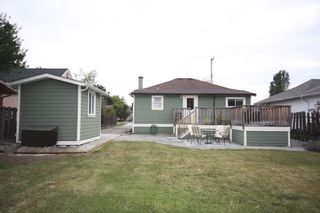 Photo 3: 410 Walter Ave in Victoria: Residential for sale : MLS®# 283473