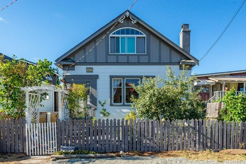 FEATURED LISTING: 2750 Penrith Ave