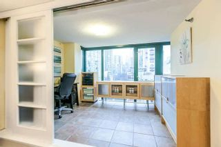 "Photo 11: 801 289 DRAKE Street in Vancouver: Yaletown Condo for sale in ""PARKVIEW TOWER"" (Vancouver West)  : MLS®# R2234032"