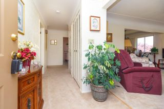 Photo 5: 2742 Roseberry Ave in : Vi Oaklands House for sale (Victoria)  : MLS®# 854051