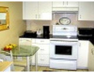 """Photo 4: 405 220 11TH Street in New_Westminster: Uptown NW Condo for sale in """"QUEEN'S COVE"""" (New Westminster)  : MLS®# V649654"""
