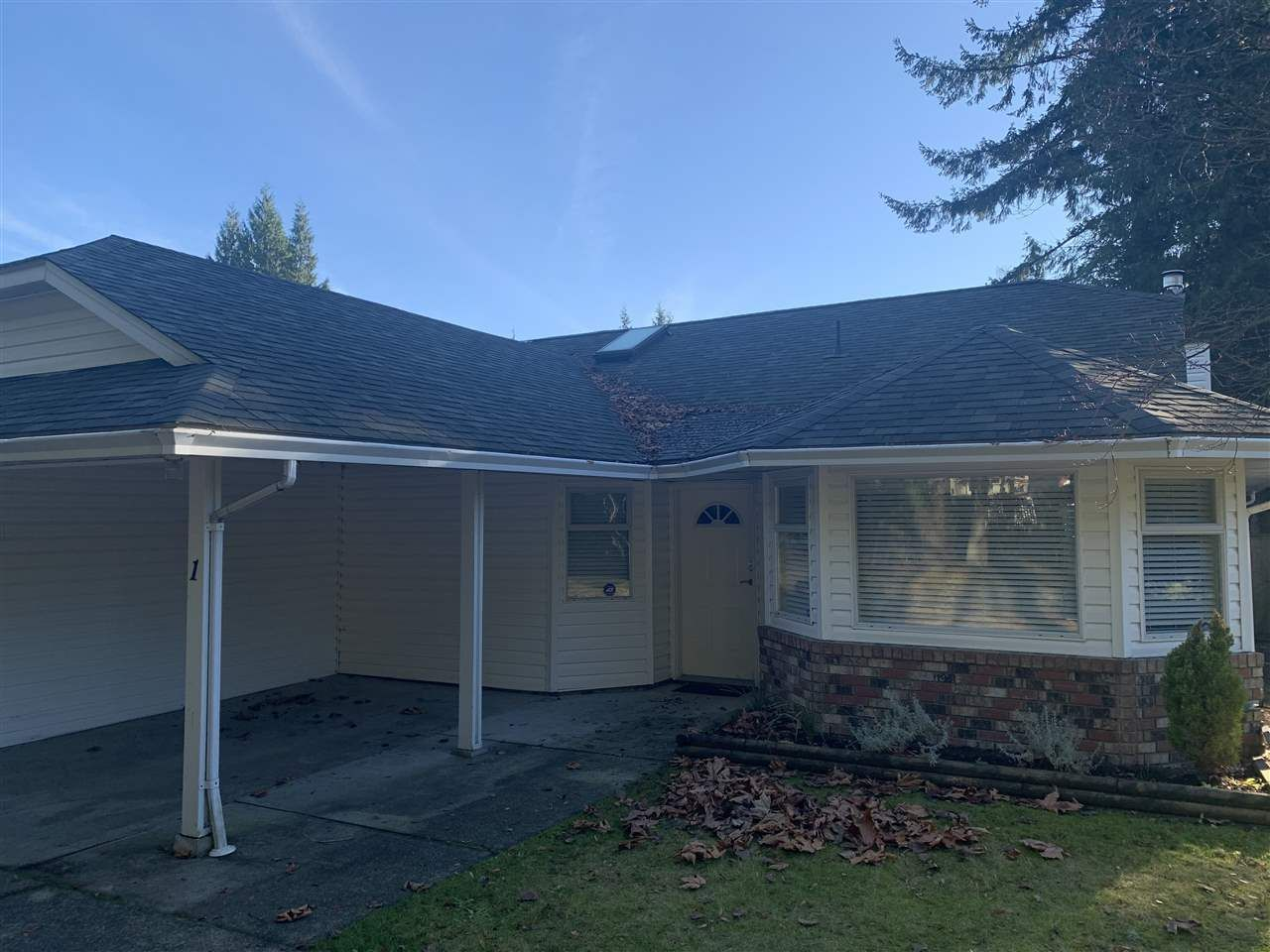 Main Photo: 1 783 Reed Road, Gibsons
