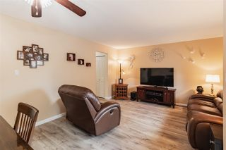 """Photo 4: 68 5850 177B Street in Surrey: Cloverdale BC Townhouse for sale in """"DOGWOOD GARDEN"""" (Cloverdale)  : MLS®# R2584104"""