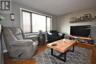 Photo 15: 106 Lodgepole Drive in Hinton: House for sale : MLS®# A1085341