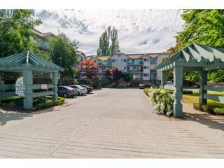 "Photo 2: 312 5419 201A Street in Langley: Langley City Condo for sale in ""VISTA GARDENS"" : MLS®# R2183576"