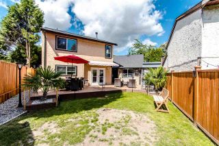 Photo 19: 6059 BROOKS Crescent in Surrey: Cloverdale BC House for sale (Cloverdale)  : MLS®# R2377690