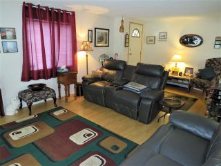 """Photo 6: 61 5742 UNSWORTH Road in Sardis: Vedder S Watson-Promontory Manufactured Home for sale in """"Cedar Grove"""" : MLS®# R2405974"""