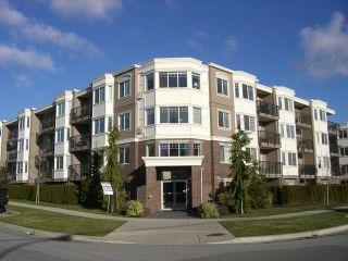 Photo 1: 208 15357 ROPER Avenue: White Rock Condo for sale (South Surrey White Rock)  : MLS®# F1401685
