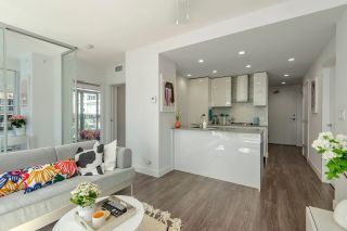 """Photo 3: 1010 1283 HOWE Street in Vancouver: Downtown VW Condo for sale in """"Tate"""" (Vancouver West)  : MLS®# R2607707"""