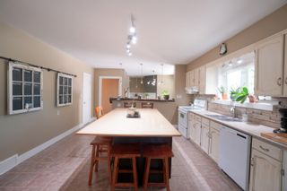 Photo 2: 8 Allarie ST N in St Eustache: House for sale : MLS®# 202119873