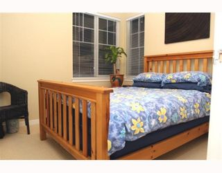 """Photo 8: 44 7511 NO 4 Road in Richmond: McLennan North Townhouse for sale in """"HARMONY"""" : MLS®# V759981"""
