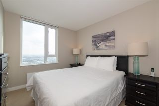 """Photo 9: 3208 488 SW MARINE Drive in Vancouver: Marpole Condo for sale in """"Marine Gateway"""" (Vancouver West)  : MLS®# R2440904"""