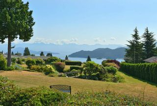 """Photo 2: 20 544 EAGLECREST Drive in Gibsons: Gibsons & Area Townhouse for sale in """"Georgia Mirage"""" (Sunshine Coast)  : MLS®# R2603357"""