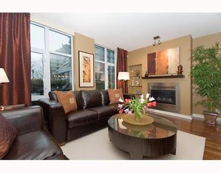"""Photo 1: 593 BEACH Crescent in Vancouver: False Creek North Townhouse for sale in """"PARKWEST TWO"""" (Vancouver West)  : MLS®# V636963"""
