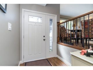 """Photo 3: 3728 SQUAMISH Crescent in Abbotsford: Central Abbotsford House for sale in """"Parkside Estates"""" : MLS®# R2460054"""