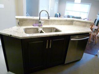 Photo 6: 10914 71 Avenue in Edmonton: Zone 15 House Half Duplex for sale : MLS®# E4246605