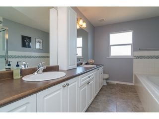 "Photo 11: 16757 61 Avenue in Surrey: Cloverdale BC House for sale in ""Clover Ridge Estates"" (Cloverdale)  : MLS®# R2151622"