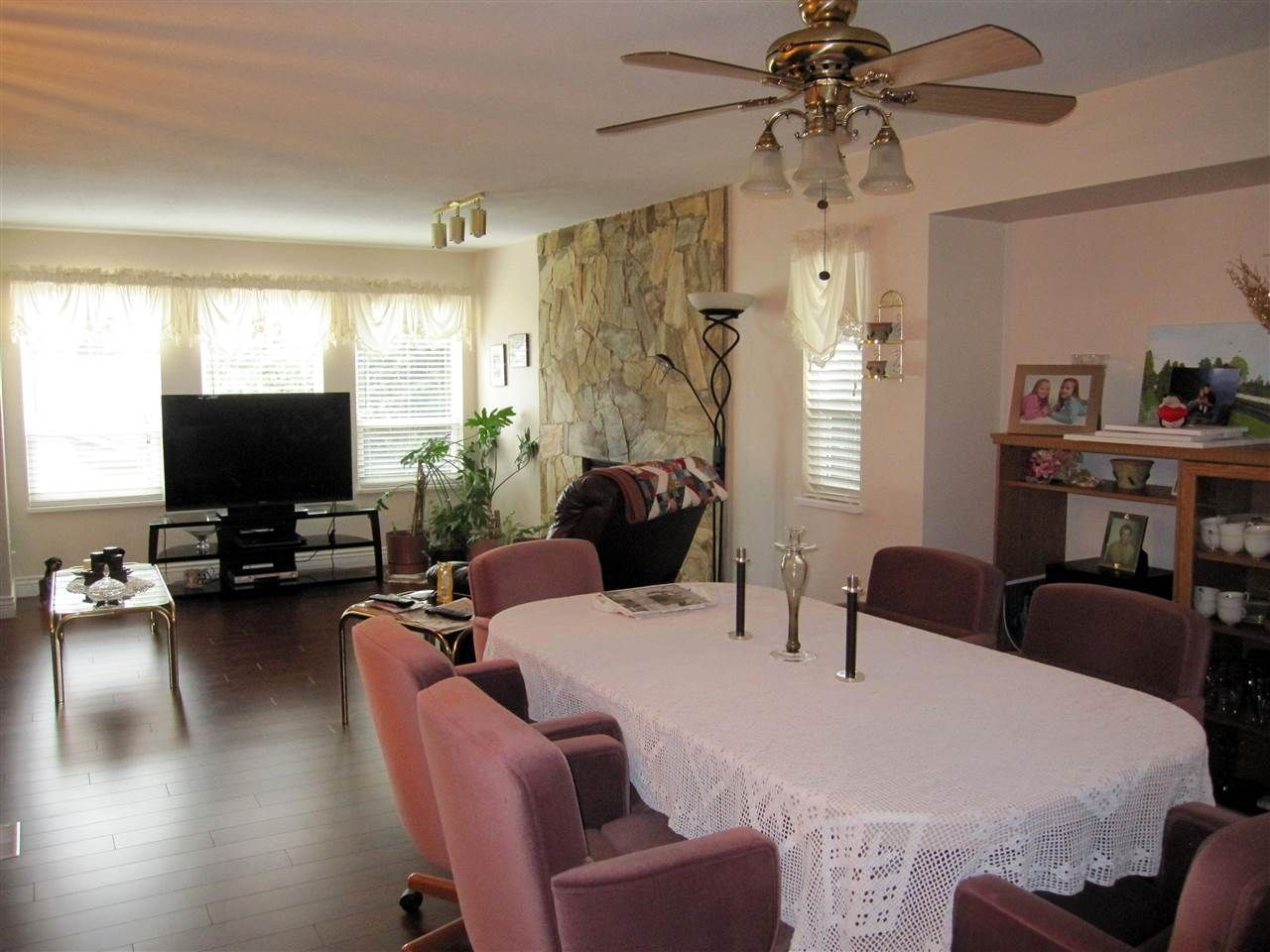 Photo 3: Photos: 23209 123 Avenue in Maple Ridge: East Central House for sale : MLS®# R2049127
