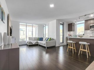 """Photo 2: 402 3162 RIVERWALK Avenue in Vancouver: Champlain Heights Condo for sale in """"SHORELINE"""" (Vancouver East)  : MLS®# R2220256"""