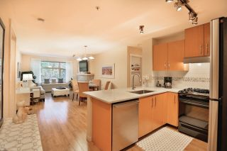 Photo 10: 102 400 KLAHANIE DRIVE in Port Moody: Port Moody Centre Condo for sale : MLS®# R2013966