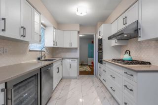 Photo 6: 2551 E PENDER STREET in Vancouver: Renfrew VE House for sale (Vancouver East)  : MLS®# R2567987