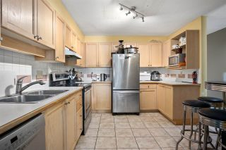 """Photo 4: 410 6735 STATION HILL Court in Burnaby: South Slope Condo for sale in """"THE COURTYARDS"""" (Burnaby South)  : MLS®# R2486497"""