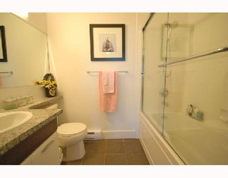 """Photo 7: 418 6033 KATSURA Street in Richmond: McLennan North Condo for sale in """"THE RED"""" : MLS®# V722680"""