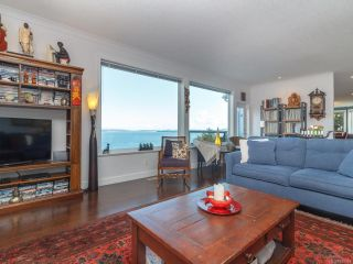 Photo 4: 583 Bay Bluff Pl in : ML Mill Bay House for sale (Malahat & Area)  : MLS®# 840583