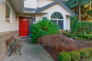 Photo 3: 2057 Reid Crt in SAANICHTON: CS Saanichton House for sale (Central Saanich)  : MLS®# 801318