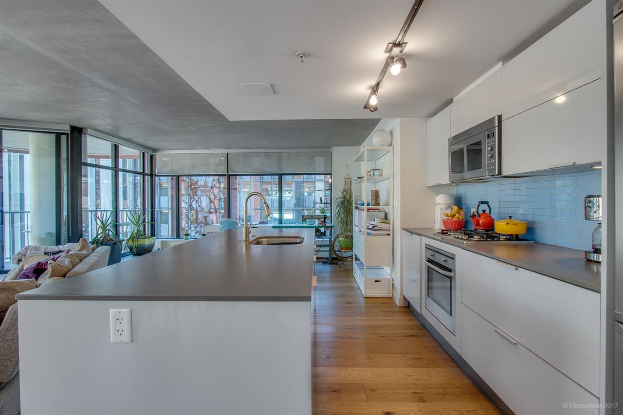 """Photo 10: Photos: 610 128 W CORDOVA Street in Vancouver: Downtown VW Condo for sale in """"WOODWARDS W43"""" (Vancouver West)  : MLS®# R2191922"""
