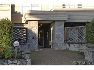 Photo 19: 301 1580 Christmas Ave in VICTORIA: SE Mt Tolmie Condo for sale (Saanich East)  : MLS®# 489978